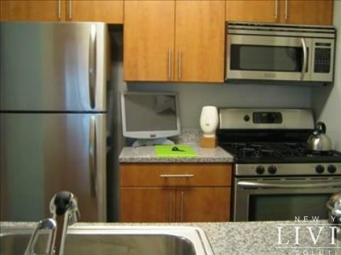 3 Bedrooms, Financial District Rental in NYC for $6,250 - Photo 2