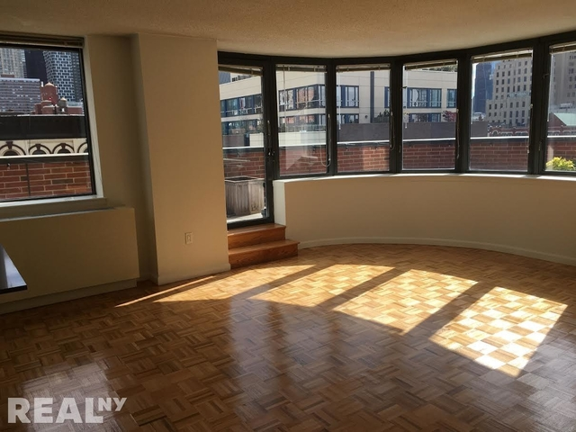 2 Bedrooms, Hell's Kitchen Rental in NYC for $5,444 - Photo 1