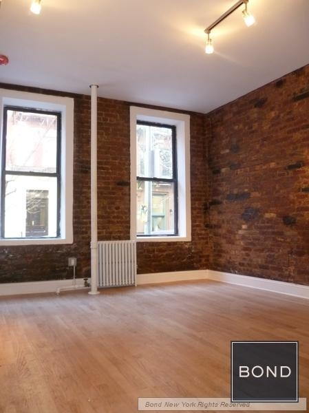 3 Bedrooms, West Village Rental in NYC for $6,245 - Photo 1