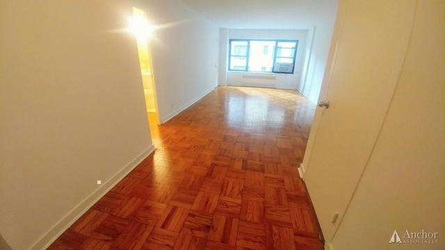 Studio, Sutton Place Rental in NYC for $2,630 - Photo 2