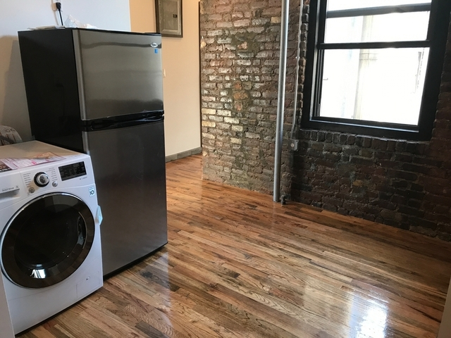3 Bedrooms, East Village Rental in NYC for $4,495 - Photo 2