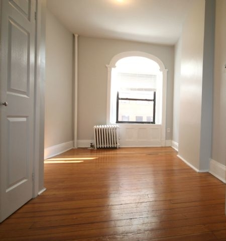 2 Bedrooms, West Village Rental in NYC for $4,300 - Photo 1