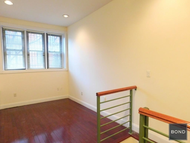 2 Bedrooms, West Village Rental in NYC for $3,300 - Photo 2