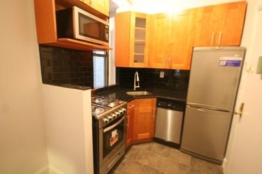 3 Bedrooms, West Village Rental in NYC for $4,600 - Photo 2