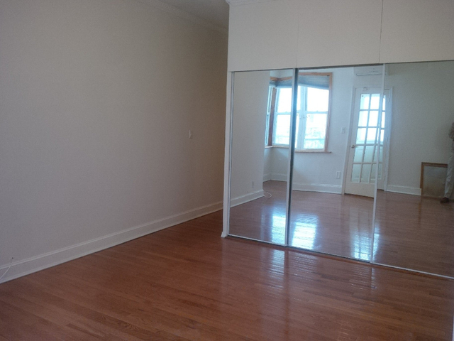 2 Bedrooms, Sheepshead Bay Rental in NYC for $2,300 - Photo 2