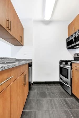 Studio, Financial District Rental in NYC for $2,540 - Photo 2