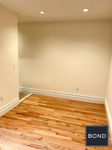 2 Bedrooms, Hell's Kitchen Rental in NYC for $2,795 - Photo 2
