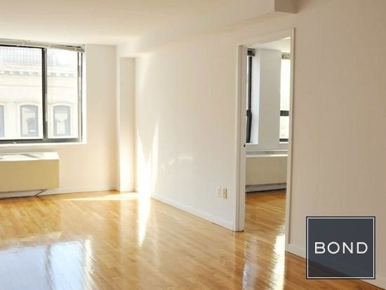3 Bedrooms, Hell's Kitchen Rental in NYC for $4,445 - Photo 1