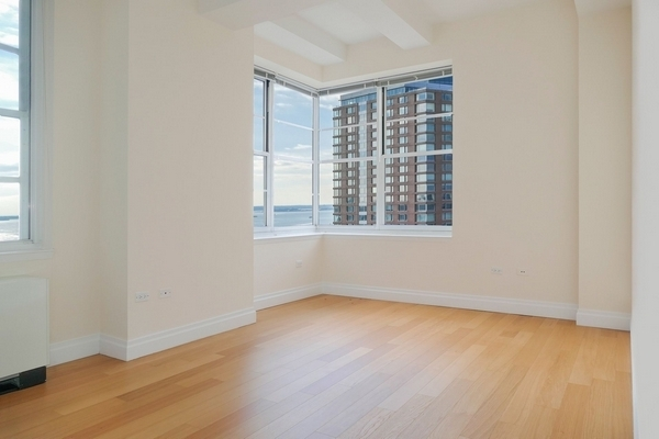 2 Bedrooms, Financial District Rental in NYC for $5,999 - Photo 2