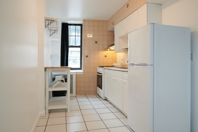 1 Bedroom, Long Island City Rental in NYC for $2,000 - Photo 2
