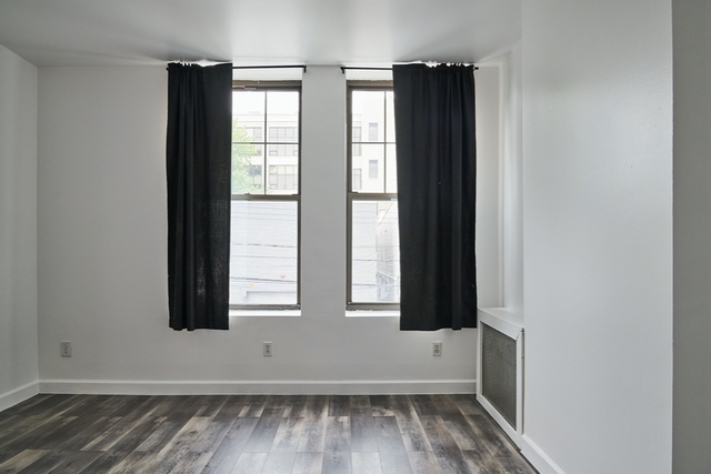 1 Bedroom, Long Island City Rental in NYC for $2,000 - Photo 1