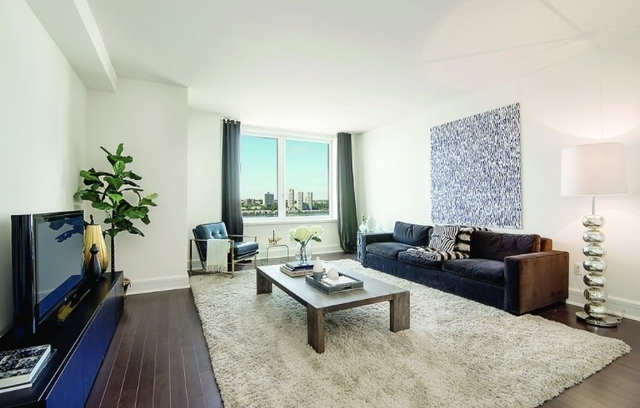 2 Bedrooms, Lincoln Square Rental in NYC for $8,175 - Photo 1