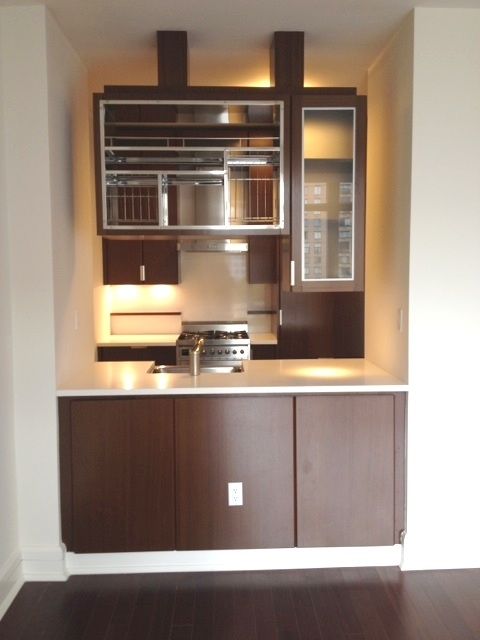 1 Bedroom, Lincoln Square Rental in NYC for $5,045 - Photo 2
