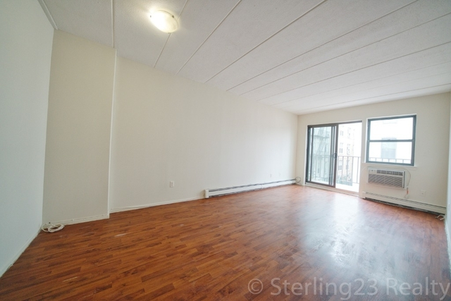 1 Bedroom, Steinway Rental in NYC for $1,850 - Photo 2