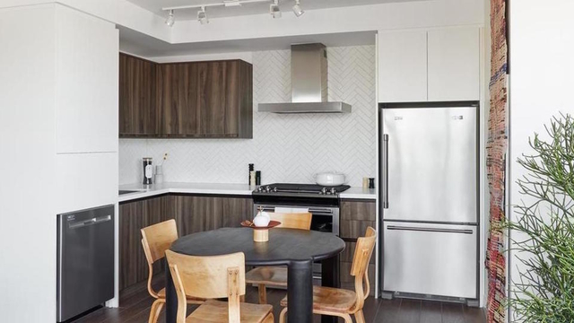 2 Bedrooms, Greenpoint Rental in NYC for $4,392 - Photo 1