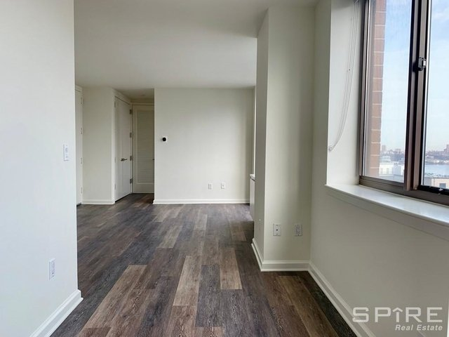 Studio, Hell's Kitchen Rental in NYC for $4,360 - Photo 2
