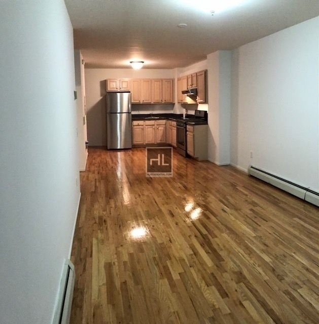2 Bedrooms, Steinway Rental in NYC for $2,900 - Photo 1