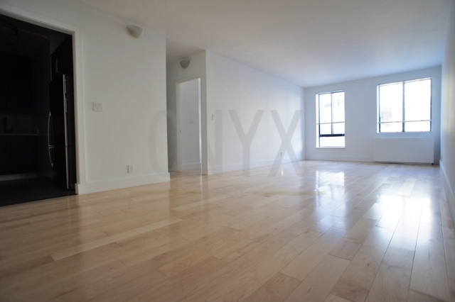 2 Bedrooms, Hell's Kitchen Rental in NYC for $5,800 - Photo 1