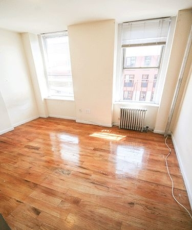 2 Bedrooms, Alphabet City Rental in NYC for $2,460 - Photo 2