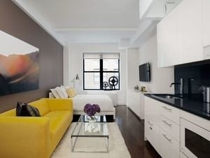 1 Bedroom, Upper West Side Rental in NYC for $2,550 - Photo 2