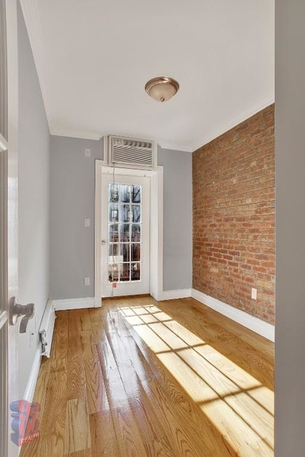 2 Bedrooms, East Village Rental in NYC for $4,150 - Photo 2