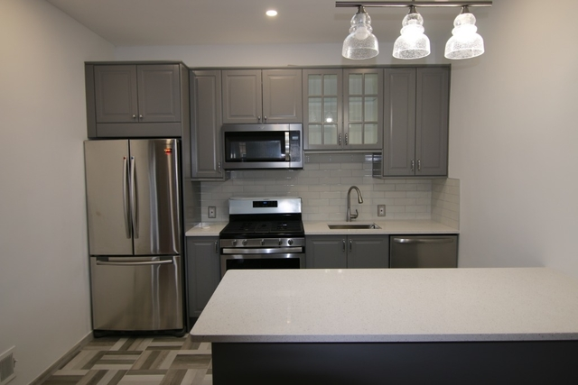 4 Bedrooms, Glendale Rental in NYC for $2,900 - Photo 1