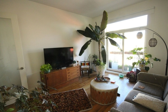 2 Bedrooms, East Williamsburg Rental in NYC for $3,349 - Photo 1