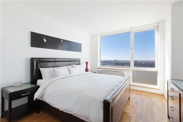 3 Bedrooms, Hell's Kitchen Rental in NYC for $7,200 - Photo 2