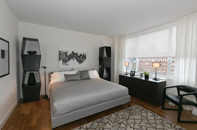 Studio, Lincoln Square Rental in NYC for $3,996 - Photo 2