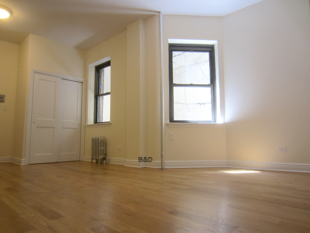 2 Bedrooms, Little Italy Rental in NYC for $4,753 - Photo 2