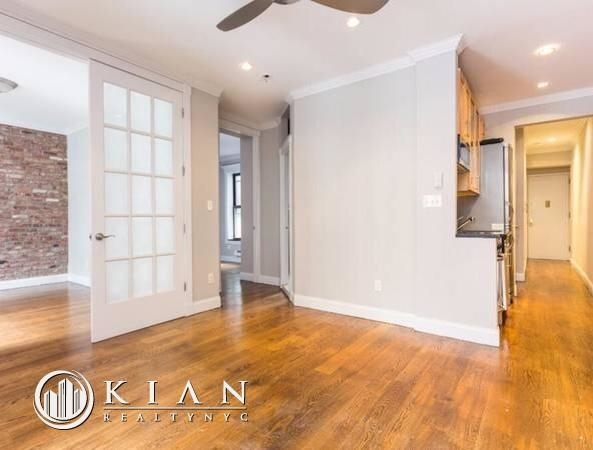 3 Bedrooms, Gramercy Park Rental in NYC for $5,580 - Photo 2