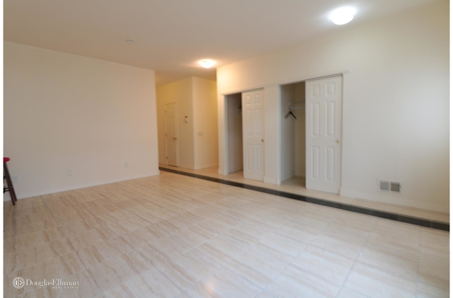 3 Bedrooms, Arverne Rental in NYC for $2,695 - Photo 2