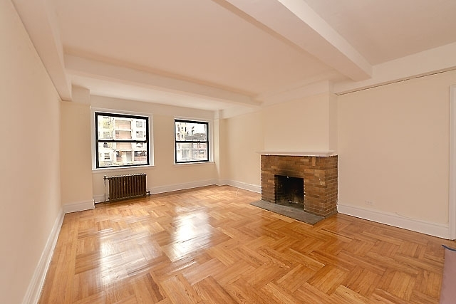 3 Bedrooms, Gramercy Park Rental in NYC for $5,725 - Photo 1