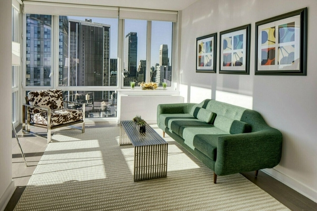 1 Bedroom, Upper East Side Rental in NYC for $6,430 - Photo 2