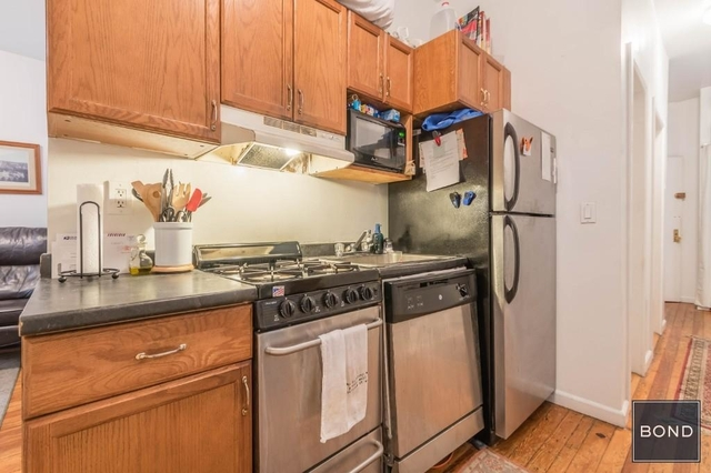 3 Bedrooms, East Village Rental in NYC for $4,700 - Photo 2