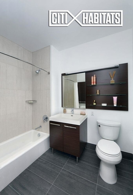 Studio, Long Island City Rental in NYC for $3,375 - Photo 2