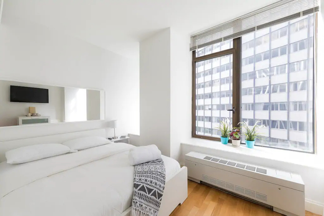 1 Bedroom, Financial District Rental in NYC for $3,265 - Photo 2