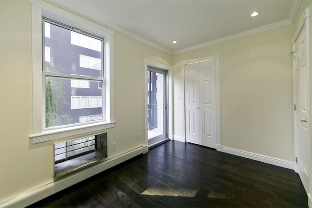 3 Bedrooms, Chelsea Rental in NYC for $5,950 - Photo 2