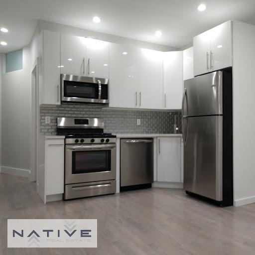 3 Bedrooms, Greenpoint Rental in NYC for $3,399 - Photo 2