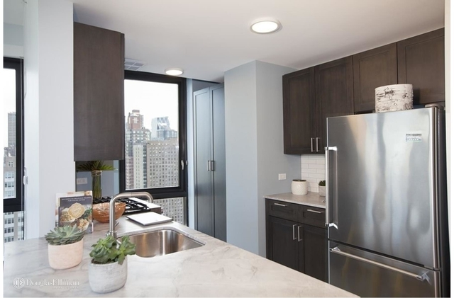 2 Bedrooms, Lincoln Square Rental in NYC for $8,100 - Photo 2