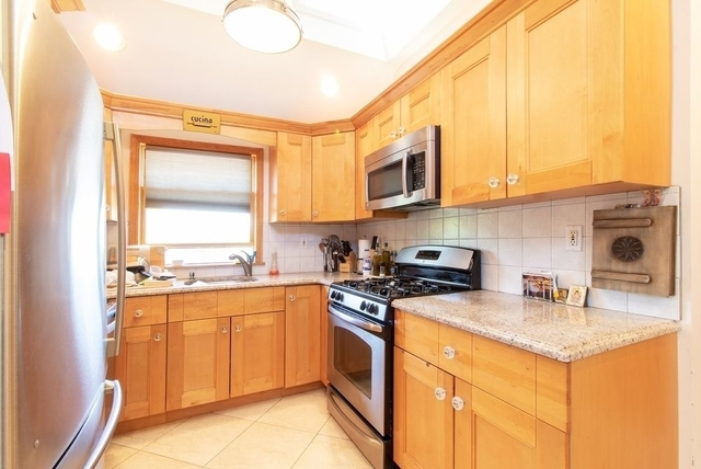 3 Bedrooms, Astoria Heights Rental in NYC for $2,950 - Photo 2