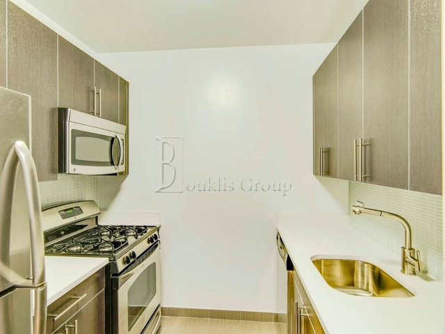 1 Bedroom, Financial District Rental in NYC for $3,985 - Photo 2