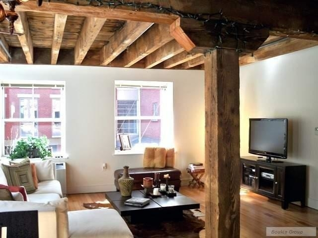 2 Bedrooms, Financial District Rental in NYC for $6,795 - Photo 2