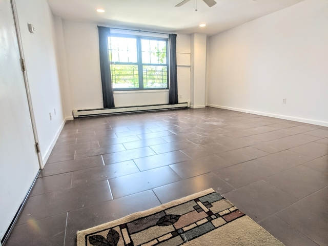 2 Bedrooms, Maspeth Rental in NYC for $2,199 - Photo 1