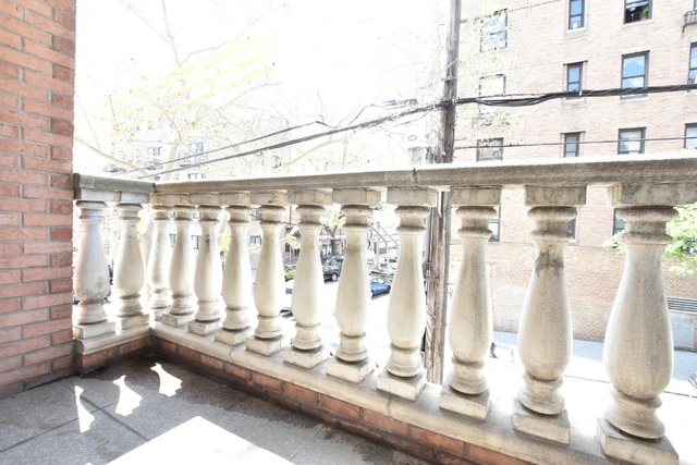 2 Bedrooms, Astoria Rental in NYC for $2,350 - Photo 1