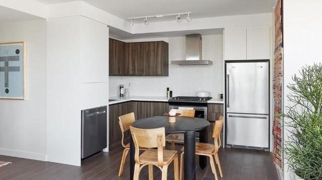 1 Bedroom, Greenpoint Rental in NYC for $2,931 - Photo 1