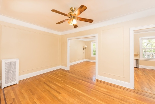 2 Bedrooms, Steinway Rental in NYC for $3,200 - Photo 2
