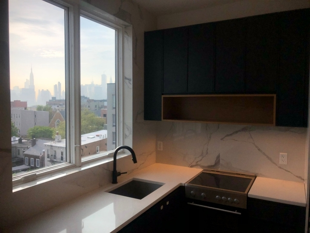 3 Bedrooms, Greenpoint Rental in NYC for $5,600 - Photo 2
