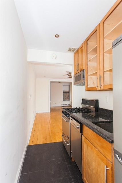 2 Bedrooms, West Village Rental in NYC for $5,442 - Photo 2