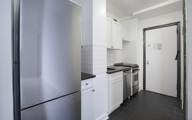 Studio, Turtle Bay Rental in NYC for $2,815 - Photo 2